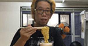 หนุ่มญี่ปุ่นลองกินมาม่าที่หมดอายุแล้ว ปี 2010